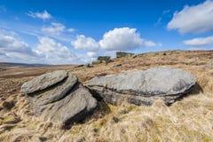 Piedra de molino erosionada Grit Boulders foto de archivo