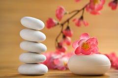 Piedra del zen y barra aromática del jabón Imágenes de archivo libres de regalías