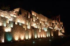 Piedra en Shiraz en la noche Fotos de archivo