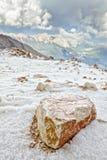 Piedra grande en la colina Imagen de archivo libre de regalías