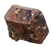 Piedra mineral de la turmalina magnesiana del Tourmaline aislada en blanco Fotografía de archivo