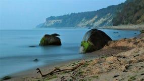 Piedra overgrown foto de archivo libre de regalías