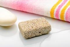 Piedra pómez en el cuarto de baño Imagen de archivo