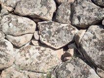 Piedra prehistórica de la pared de Nuragic Fotos de archivo