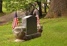 Piedra sepulcral con los indicadores Imagen de archivo libre de regalías