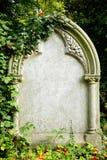 Piedra sepulcral en blanco Fotos de archivo