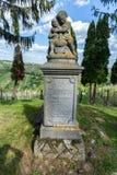 Piedra sepulcral en Lendavske Gorice, Eslovenia foto de archivo libre de regalías