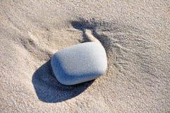 Piedra solitaria Imagen de archivo libre de regalías