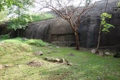 Piedra tallada Ridge en las ruinas de Vessagiria fotos de archivo