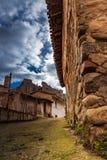 Piedra vieja del pueblo fotografía de archivo