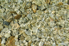 Piedras bajo el agua Fotografía de archivo libre de regalías