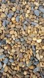 Piedras coloridas en los jardines que son diferentes pero hermosos imagen de archivo