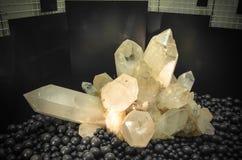 Piedras cristalinas coloridas Imagen de archivo libre de regalías