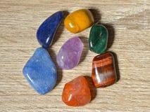 Piedras de Chakra, cristales de Chakra imagenes de archivo