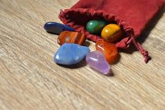 Piedras de Chakra, cristales de Chakra imagen de archivo libre de regalías