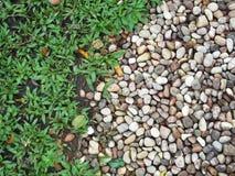 Piedras de la hierba Imagen de archivo libre de regalías