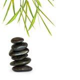 Piedras del balneario e hierba de bambú Imagenes de archivo