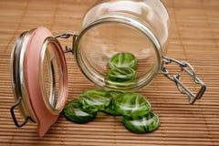 Piedras del vidrio verde Imágenes de archivo libres de regalías