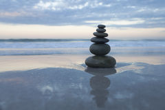 Piedras del zen Imágenes de archivo libres de regalías