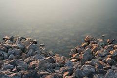 Piedras en agua Fotografía de archivo libre de regalías