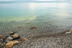 Piedras en el lago Imágenes de archivo libres de regalías