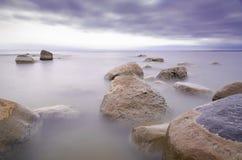 Piedras en la niebla Imagen de archivo libre de regalías