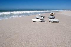 Piedras en la playa Imagen de archivo libre de regalías