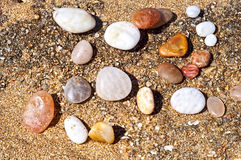 Piedras en la playa Fotos de archivo libres de regalías