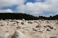 Piedras en la playa del mar Foto de archivo libre de regalías