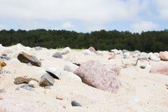Piedras en la playa del mar Imagen de archivo