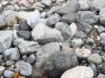 Piedras grandes y pequeñas Imagen de archivo libre de regalías