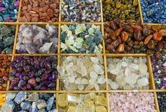 Piedras preciosas coloridas imagen de archivo libre de regalías