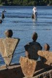 Piedras que miran el balanceador de piedra Fotos de archivo