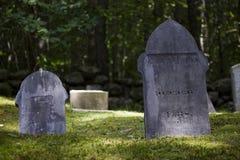 Piedras sepulcrales viejas de Nueva Inglaterra Foto de archivo libre de regalías