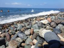 Piedras y mar fotos de archivo