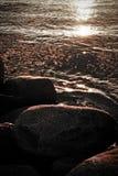Piedras y ondulaciones Foto de archivo libre de regalías