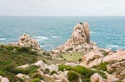 Piedras y rocas en el Testa de la ceja en Cerdeña Imagen de archivo libre de regalías