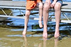 Pieds au lac Photographie stock libre de droits