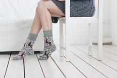 Pieds dans les chaussettes Photo libre de droits