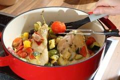 Pieds de poulet et légumes mélangés Photos libres de droits