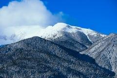 Piek, mooie natuurlijke de winterachtergrond van de bergsneeuw Ijs hoogste o Stock Afbeelding