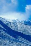 Piek, mooie natuurlijke de winterachtergrond van de bergsneeuw Ijs hoogste o Royalty-vrije Stock Foto