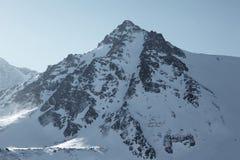 Piek op de bergen van altai Stock Afbeelding