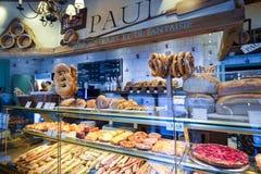 PIEKARNIA i ciasto sklep w Bruksela, Belgia Bruksela BELGIA, GRUDZIEŃ - 05 2016 - Obraz Royalty Free
