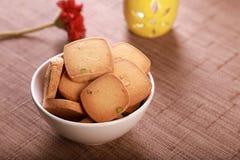 Piekarnia produktu Karmowi ciastka z pistacją w pucharze zdjęcia stock