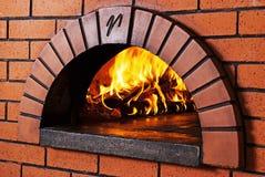 piekarnik ceglana pizza zdjęcie royalty free