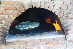 piekarnika płonący drewno zdjęcia stock