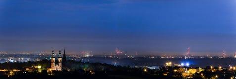 Piekary Slaskie panorama på natten royaltyfria bilder