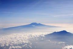 Pieken boven de wolken Stock Foto's