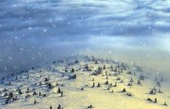 Pieken boven wolken Stock Afbeelding